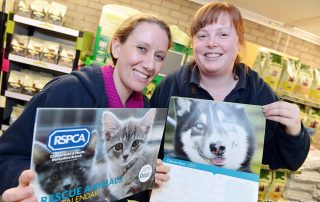 Chesterfield RSPCA feature. Julie Platts and Christine Duckworth. Read more at: https://www.derbyshiretimes.co.uk/news/chesterfield-rspca-launches-purr-fect-charity-calendar-1-8242335